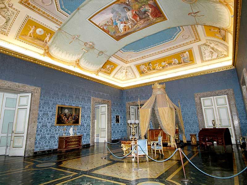 Reggia-Camera-da-letto-di-Francesco-II - Alfcoast - Tours ...