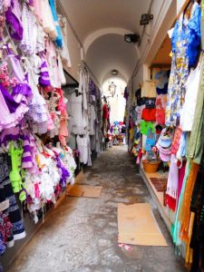 Positano_shopping_02-225x300